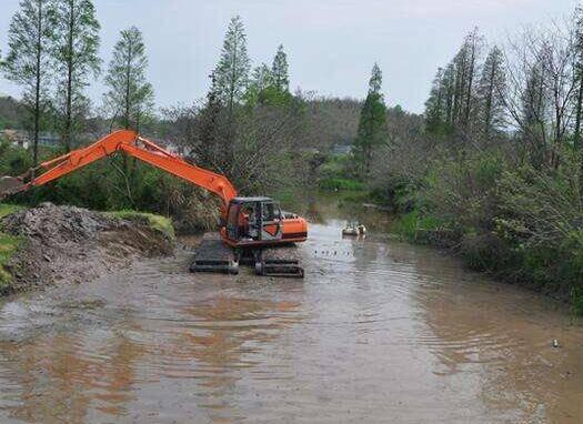 河道清淤过甚也是造成河道两侧滑坡的重要原因