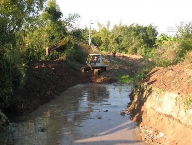 在雨期进行河道清淤施工需要注意哪些事项